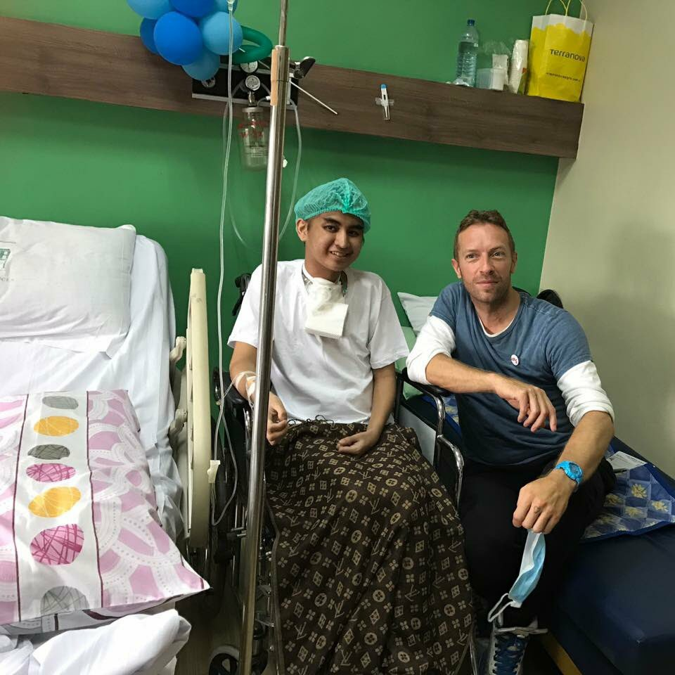 Chris Martin Visits Coldplayer With Cancer