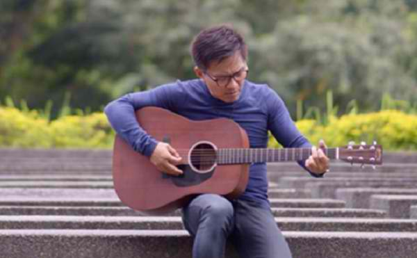Ebe Dancel to hold an all-Sugarfree set