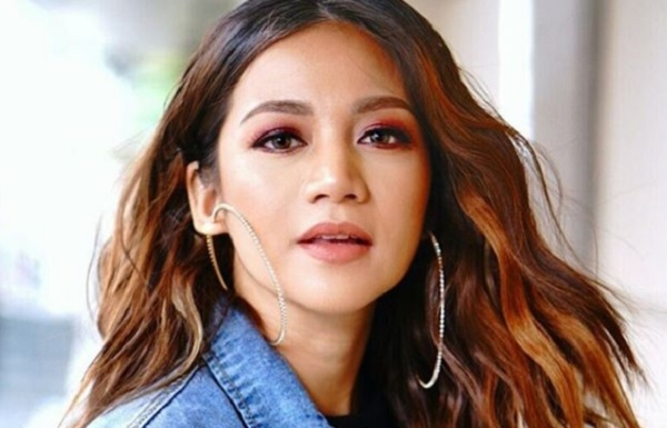a review on kyla s new album one music ph