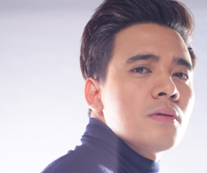 Erik Santos sings PH theme song of 'Familiar Wife'