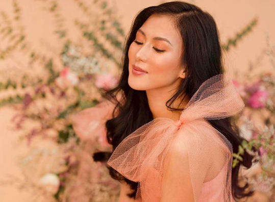 Alex Gonzaga marks 8M YouTube subscribers with photo with fiancé
